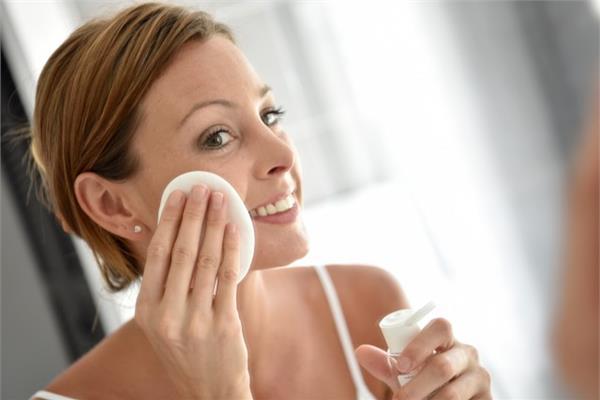 Уход за кожей лица после 35 лет в домашних условиях