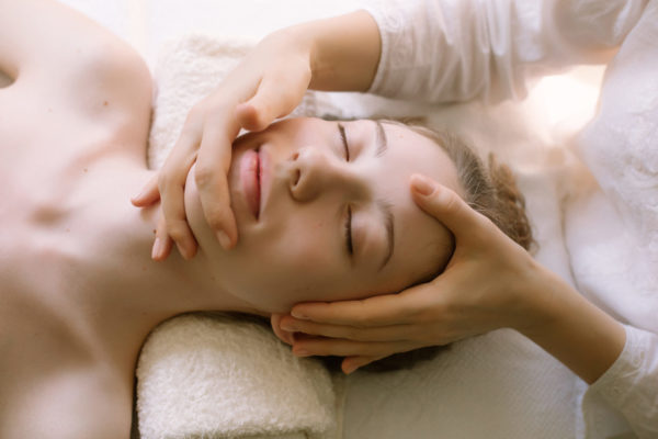 Косметологический масаж от отеков