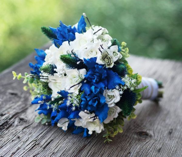 Синие и белые оттенки гармонично сочетаются между собой