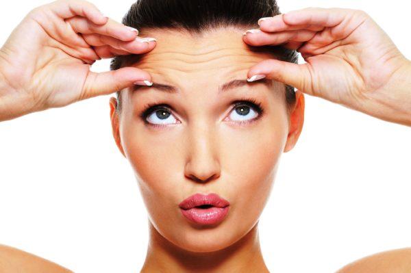 Если же даже при слабом нажатии образуется большое количество морщин, то это свидетельствует об увядающей коже.