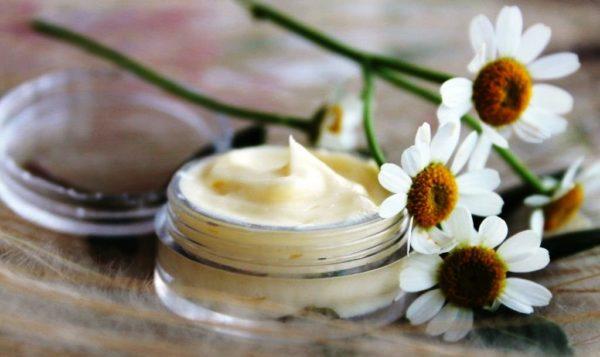 Крем очень эффективный и полезный для кожи, если хранить его в холодильнике, то он долго не испортиться, поэтому использовать его можно по мере необходимости