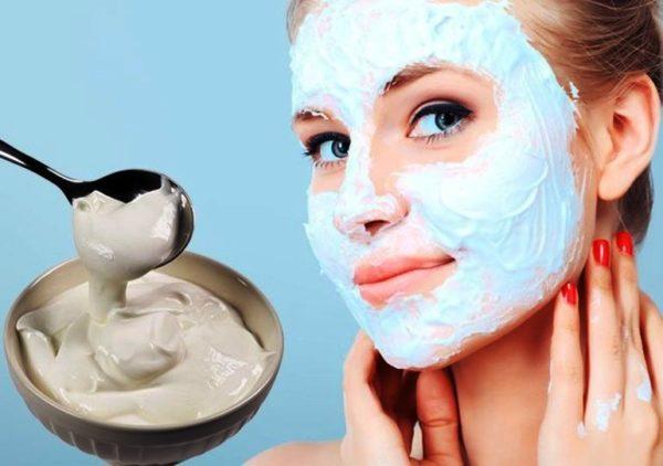 Правильно подобранная увлажняющая маска и её регулярное применение поможет как можно дольше сохранять свежесть и привлекательность кожи