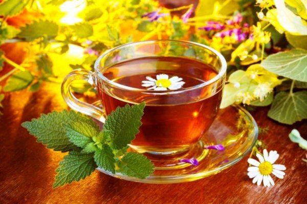 Для профилактики возникновения ячменя принимайте витаминные чаи
