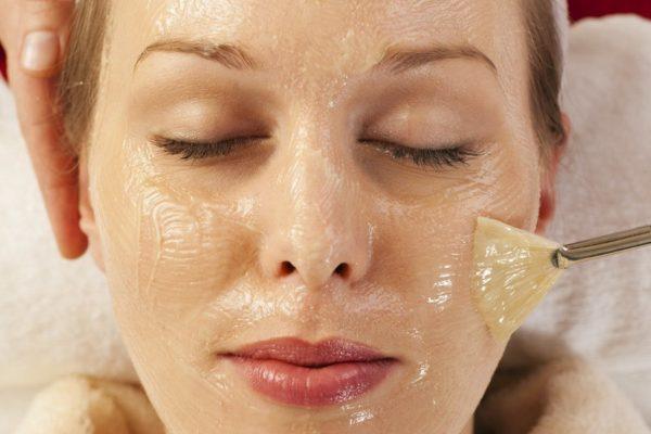 Тонизирующая маска с медом и глицерином