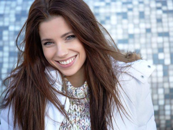 Чем чаще и искреннее, тем выше вероятность, что ваша приветливая улыбка останется с вами надолго