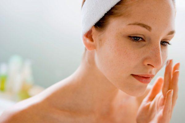 При чувствительной коже любые косметические средства нужно использовать с осторожностью