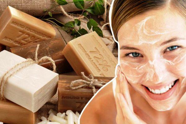 Дерматологи рекомендуют пользоваться хозяйственным мылом не чаще двух раз в неделю и наносить его только на проблемные участки лица