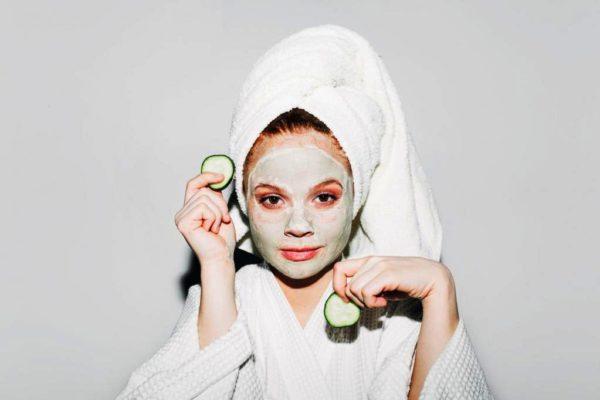 Увлажняющие маски для лица сохраняют нужный уровень влаги в коже, поддерживают ее упругость и эластичность
