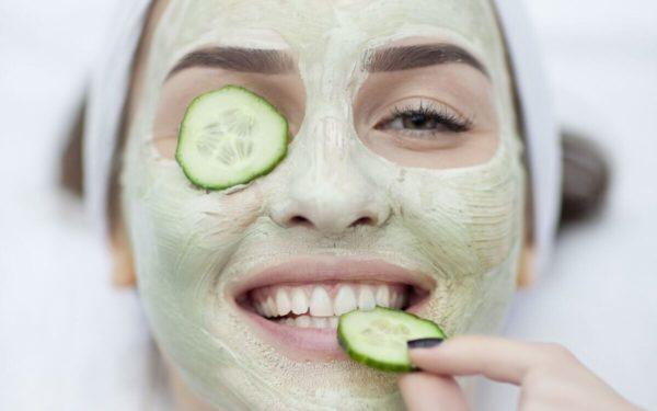 Для устранения пигментных пятен и выравнивания цвета лица желательно использовать это средство не менее 3 раз в неделю