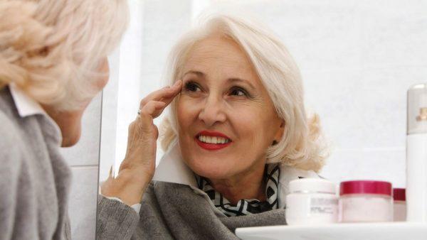 Витамины, минералы и аминокислоты, содержащиеся в кремах, быстро проникают в глубокие слои кожи, что приводит к глубокому увлажнению и предотвращению процессов старения