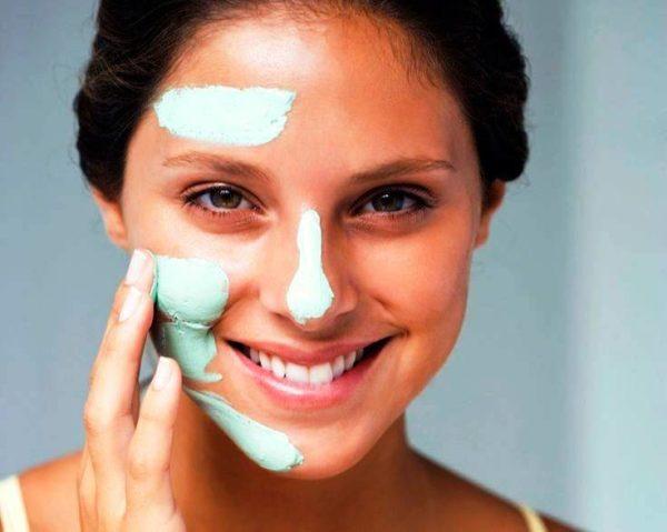 Любая маска наносится только на хорошо очищенную кожу и удаляется согласно инструкции. При таких процедурах должна соблюдаться и длительность аппликаций