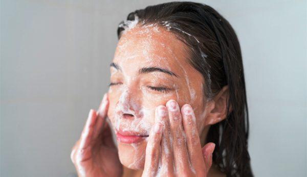 Очищение жироной кожи