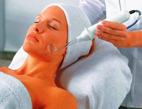Процедура дарсонвализация у косметолога
