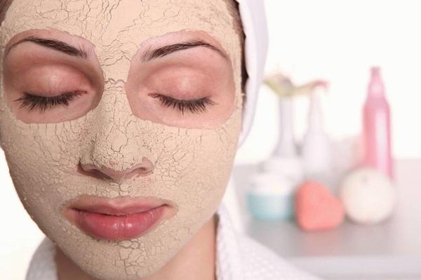 Когда наносить маску на лицо?