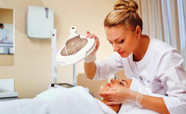 Чтобы понять, действительно ли у вас дерма сухого типа, лучше всего обратиться к косметологу