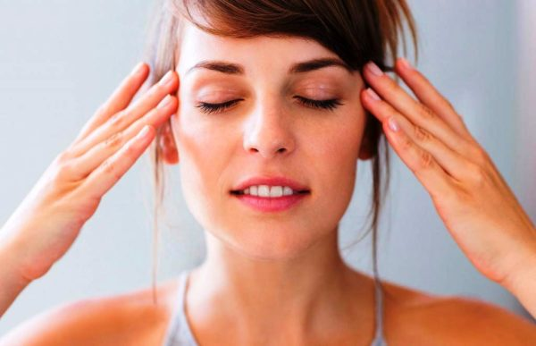 Упражнения и массажи для снятия симптомов усталости с лица