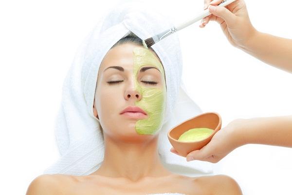 Как нанести маску из алоэ на лицо