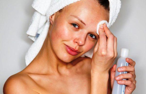 Тоник для снятия макияжа с бровей