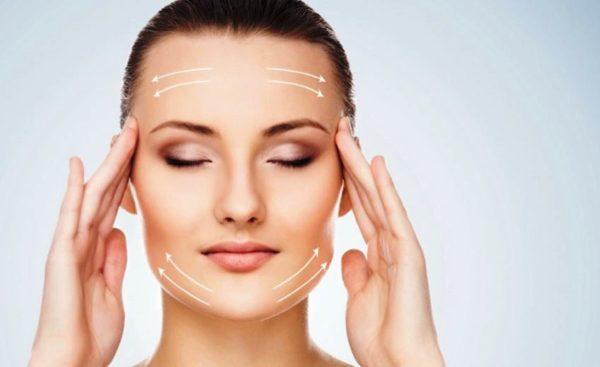Нанесение косметических кремов при дневном и вечернем уходе непременно должно производиться по массажным линиям