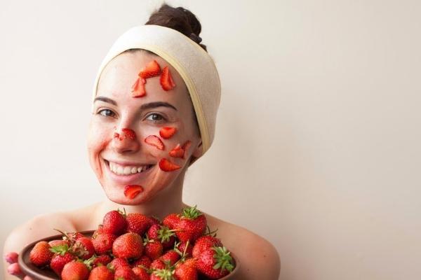 маска из клубники для лица в домашних условиях