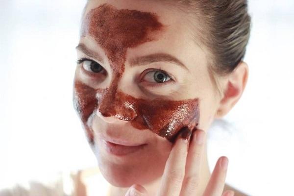 Рецепт маски из шоколада для увядающей кожи лица