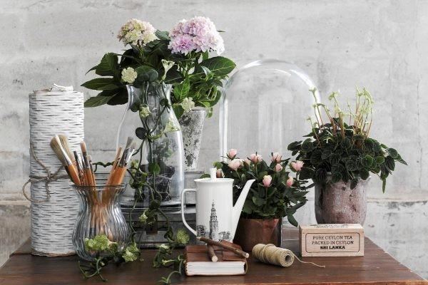 искусственные цветы в интерьере
