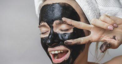 маска от чёрных точек с активированным углем и желатином