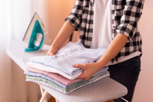 Как правильно гладить женскую рубашку