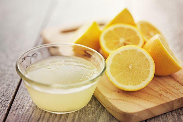 Можно ли протирать лицо лимоном