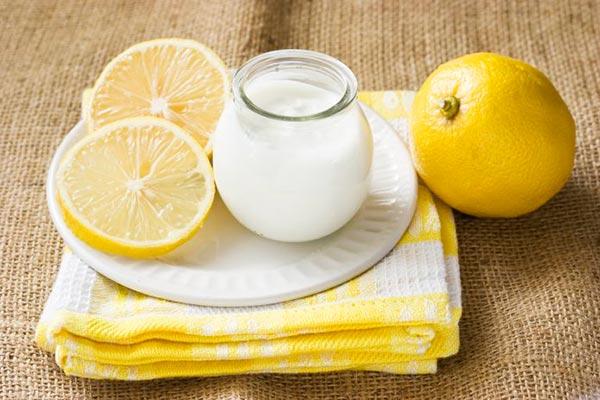 Маска с лимонным соком, молоком и медом