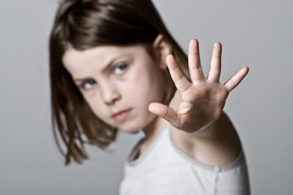 помочь жертвам домашнего насилия