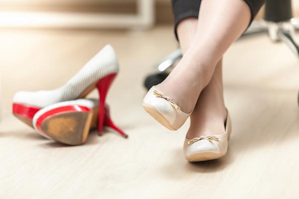 Почему беременным нельзя ходить на каблуках
