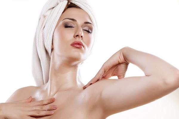 Основы эффективного ухода за кожей на шее и в зоне декольте
