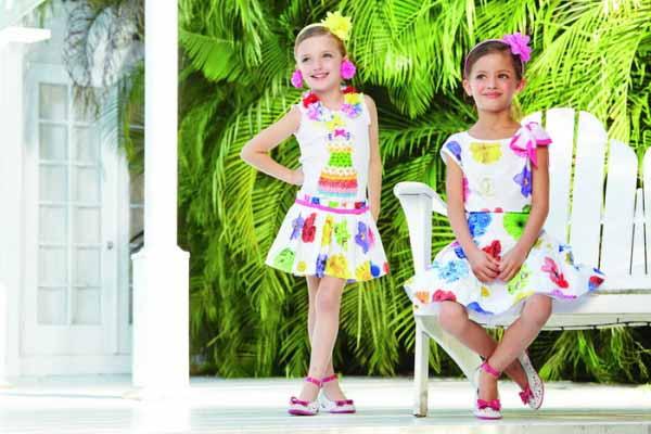 Выбор одежды для девочек на лето