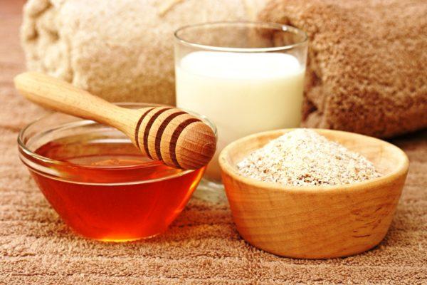 Маски с мёдом и толокном