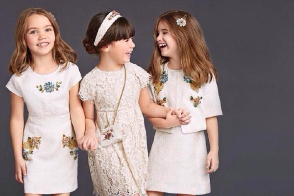 Как правильно выбирать летнюю одежду для девочек
