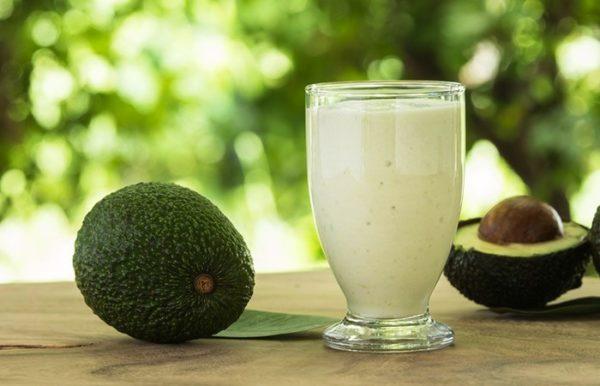 Авокадо с молоком для лица