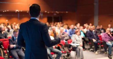 depositphotos_47113571-stock-photo-speaker-at-business-conference-and